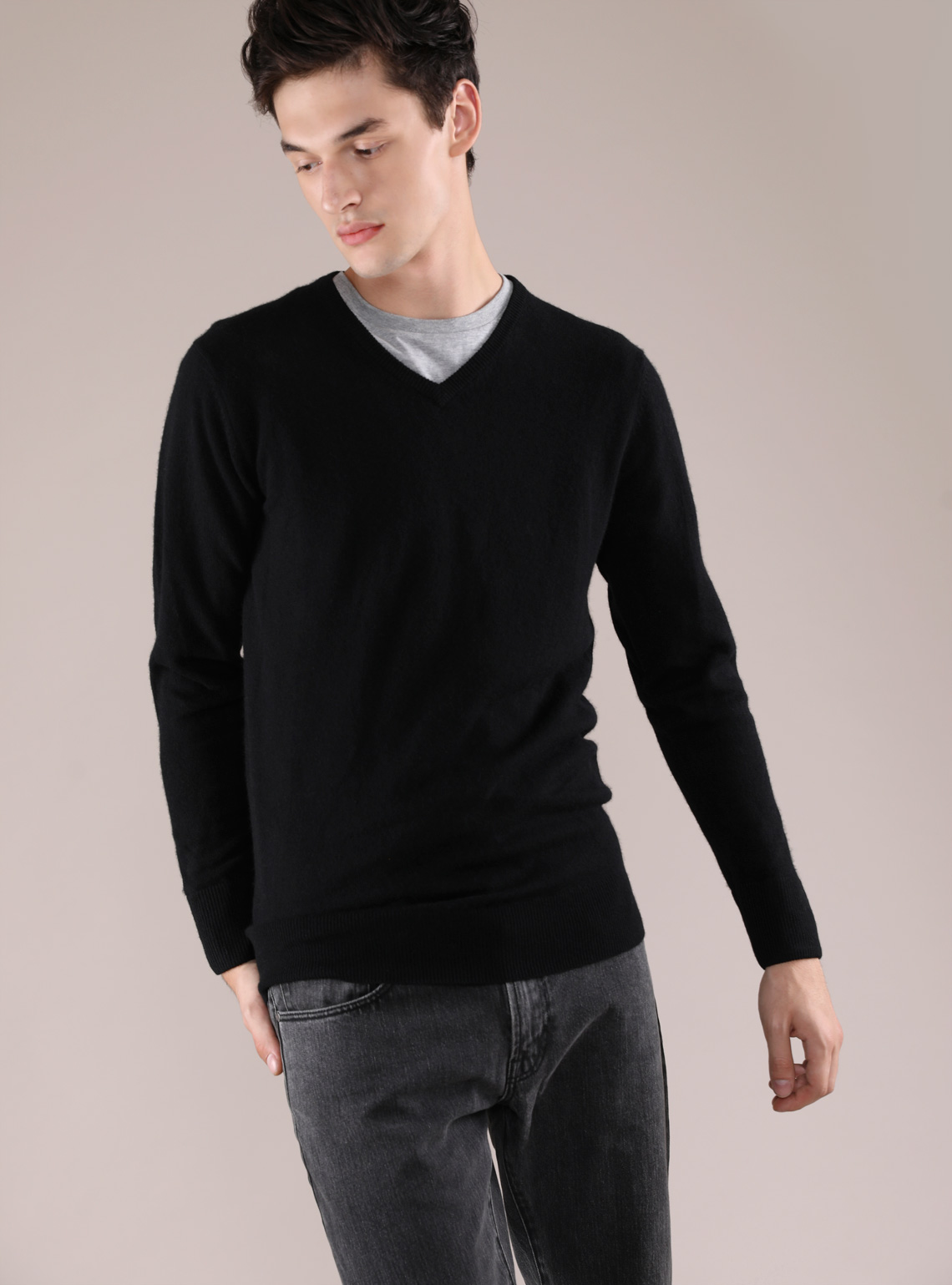 Men's Cashmere V-Neck